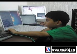 Anak Jenius Yang Ahli Komputer Termuda Di Dunia