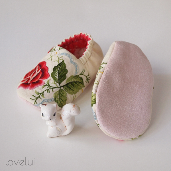 embroidered baby booties lovelui