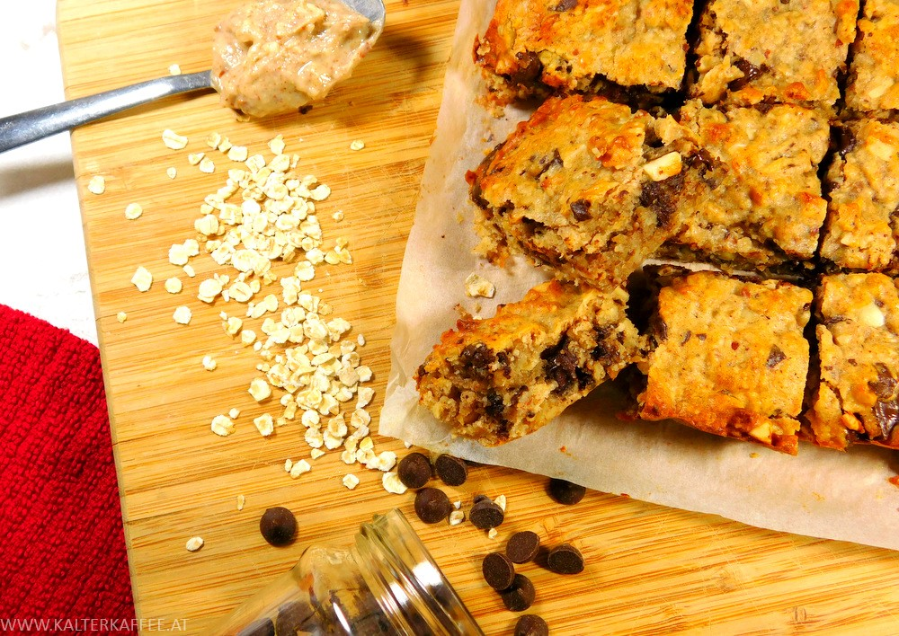 Healthy & chewy Peanut Butter Oatmeal Bars
