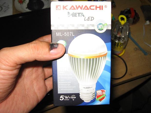 Mengganti Backlight Monitor Dengan Lampu LED 5 Watt