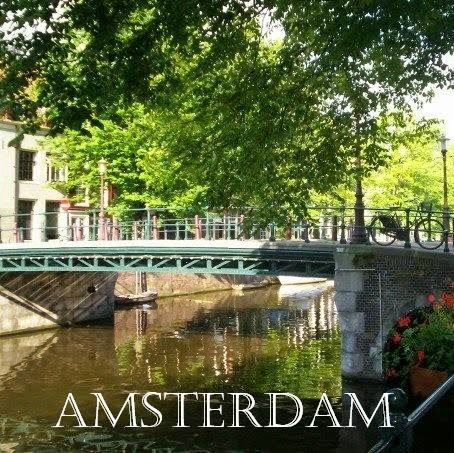 http://thriftygypsytravels.blogspot.com/2014/10/a-few-hours-in-amsterdam.html