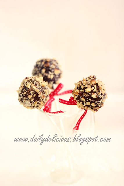 Brownie Cake Pops With Peppermint