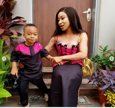 Angry Nigerians descend on Tonto Dikeh for teaching her 2-year-old son how to speak in tongues (Video)