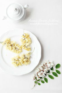 Панирани цветове от акация /Acacia flower fritters