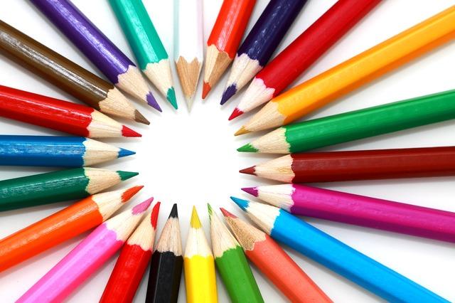 lápices de colores, colegio, material escolar