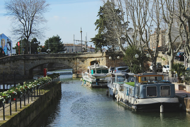 narbonne-canal-robine-bateaux