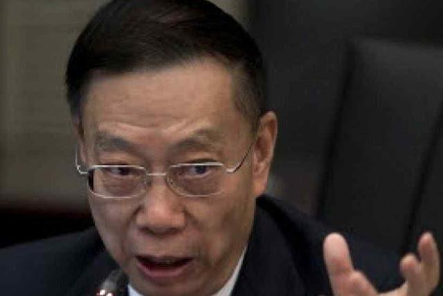 Huang Jiefu, chefe da máquina de destruição de vidas humanas para arrancar órgãos foi recebido como vedette pelo Vaticano