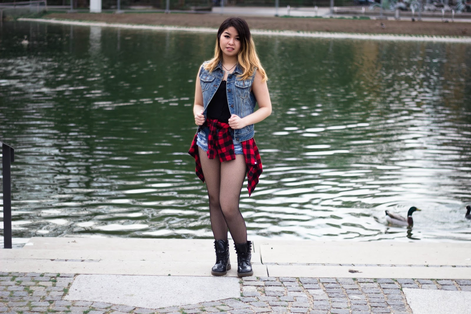 Rock Festival Look - Jeans, Fishnets || www.lootielooplasticworld.de