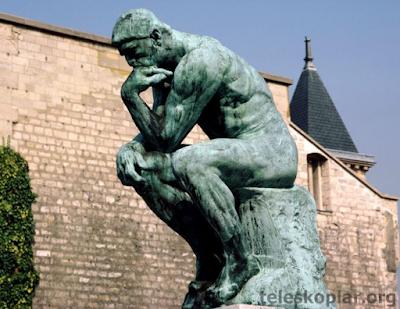 düşünen adam heykeli