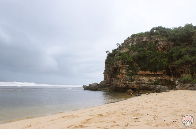 Menikmati Sejuknya Pantai Sanglen (journeyofalek.com) 4