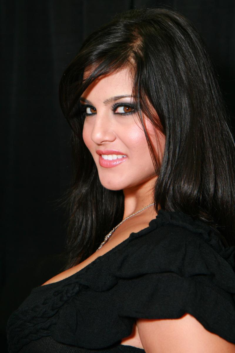 Sunny Leone-9251