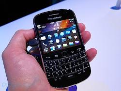harga BlackBerry Bold Touch 9900 baru dan bekas, spesifikasi lengkap BlackBerry Bold Touch 9900, review kelebihan kekurangan handphone BlackBerry Bold Touch 9900
