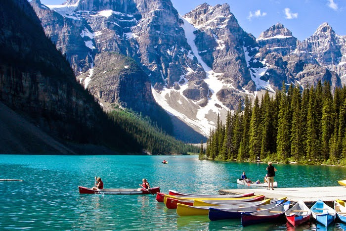 Numa Falls Wallpaper A Spectacular Turquoise Peyto Lake In Canada Snow