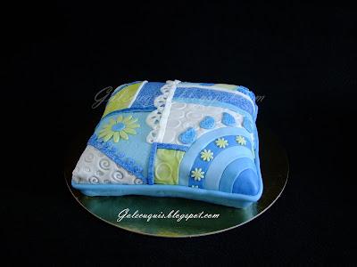 Tarta cojin de patchwork en azules