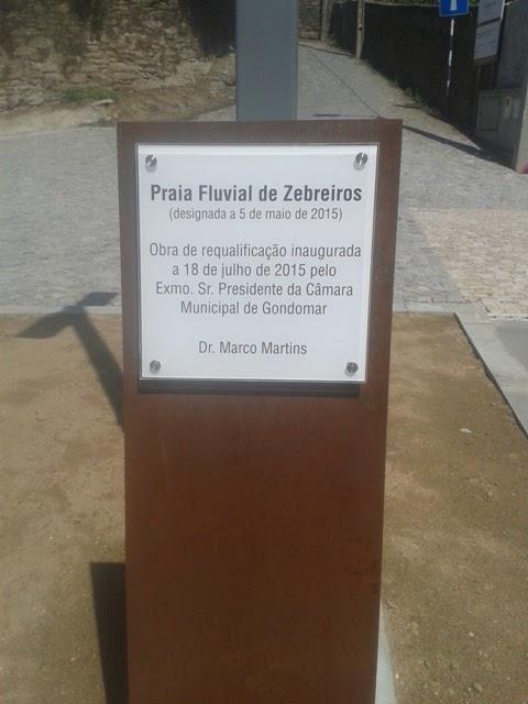 Placa inauguração Praia Fluvial de Zebreiros