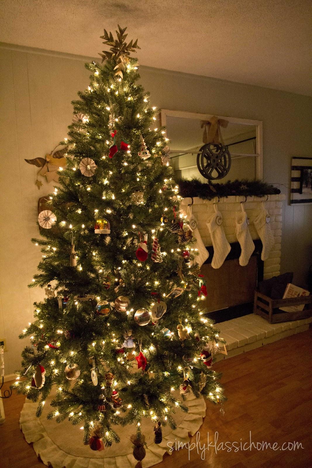Christmas Mantel Amp Tree Holiday 2012 Yellow Bliss Road