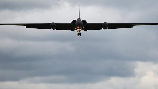Lockheed U-2 iniş yapıyor...