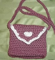 http://www.ravelry.com/patterns/library/danis-purse