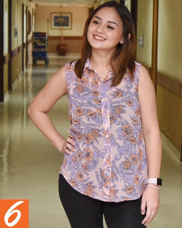 Foto Bugil Mahasiswi Cantik Penuh Pesona Memek Menggoda Pic 34 of 35