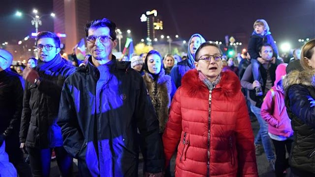 Thousands of Romanians hold rally in Bucharest to blast judicial overhaul plan