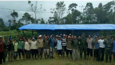 Sebagai Garda Terdepan, TNI Bangun Sekolah Sementara