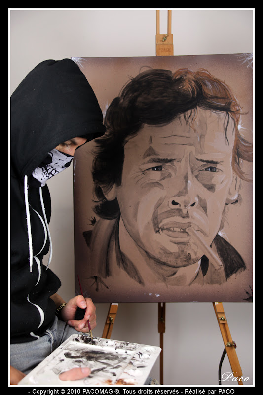 Paco et son Portrait de Jacques Brel sur toile