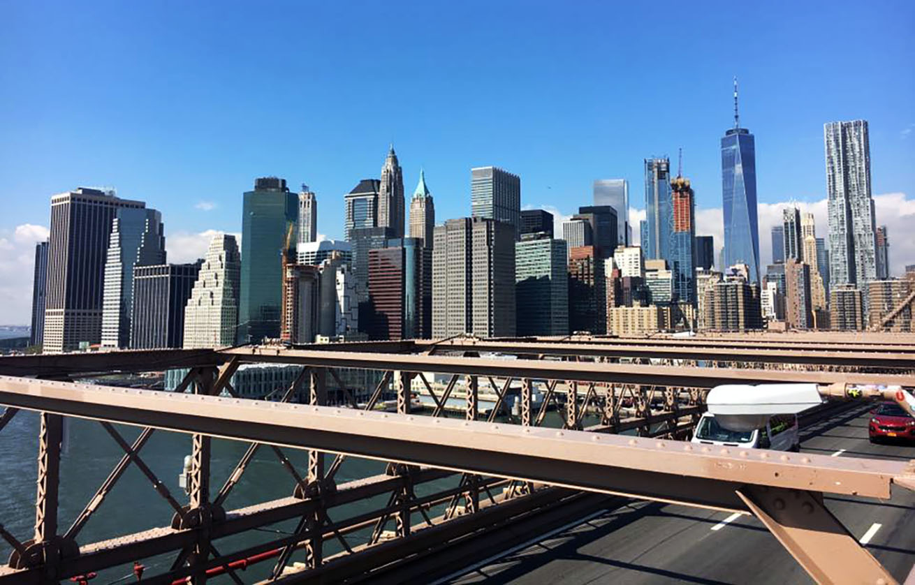 Manhattan skyline from Brooklyn bridge