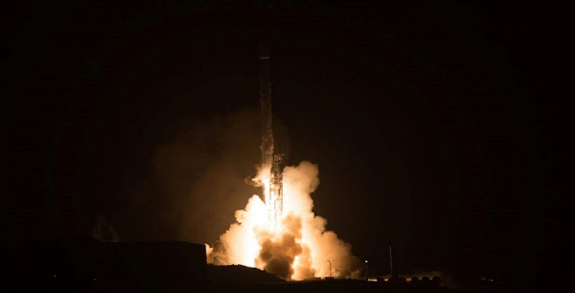 Launching before dawn, a Falcon 9 sends 10 Iridium NEXT satellites into space for the Iridium-3 mission. Photo Credit: Vandenberg Air Force Base