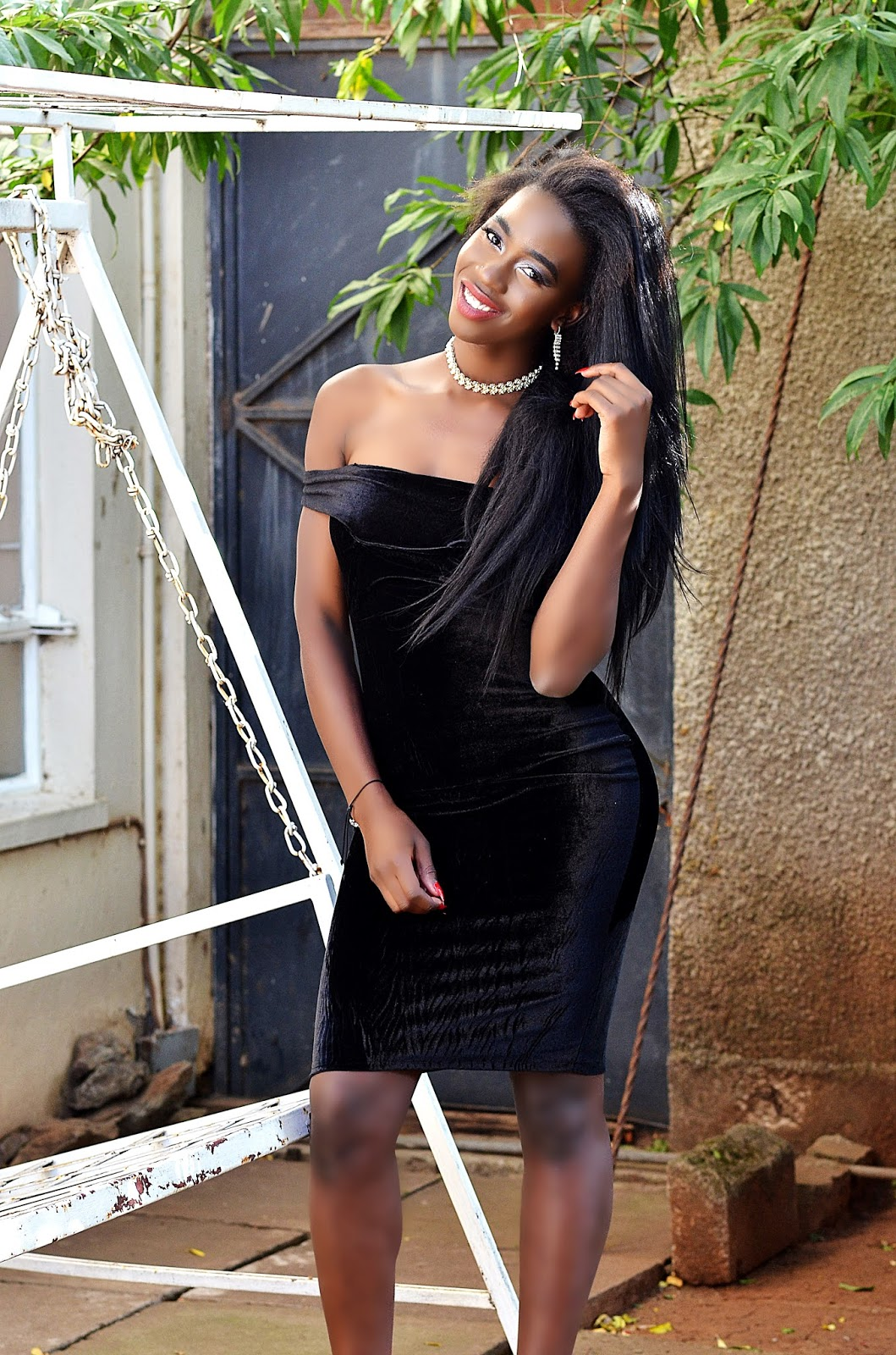 velvet dress, kenyan fashion blogger,  how to wear a velvet dress, off shoulder dress, little black dress, how to look stylish, how to slay in any outfit, how to look classy, style with Ezil, Ezil, Kenyan fashion blogger, fashion blogger.