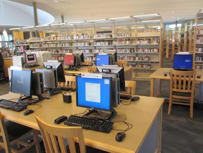 perpustakaan dengan fasilitas komputer