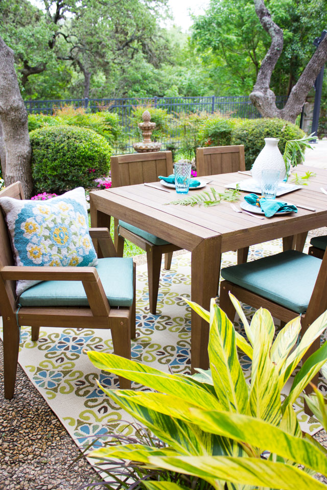 7 essentials for a cozy outdoor space