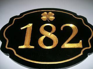 fachada de casa com número