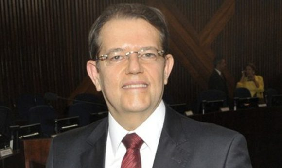 O desembargador Jatahy Júnior foi eleito o sucessor do colega José Edivaldo  Rocha Rotondano na presidência do Tribunal Regional Eleitoral na  Bahia(TRE-BA). 9865eb8c56fc9