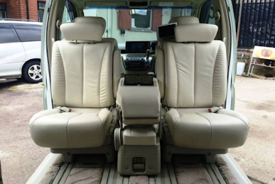 Magic middle seat Nissan Elgrand E51