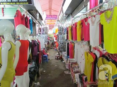 Áo phông giá bán buôn khoảng 40-60k/ 1 áo