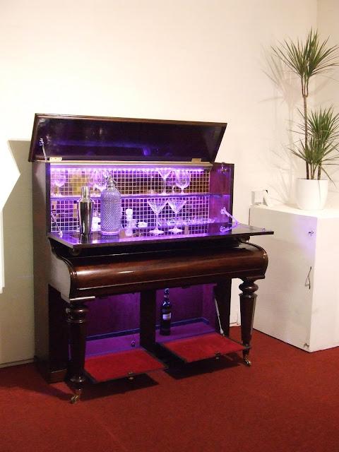 cocktail cabinate pianos