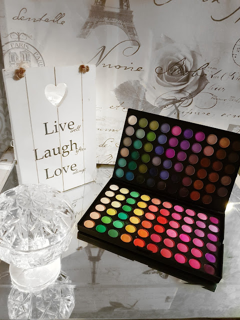 THE SEVA MAKEUP EYE SHADOW PALETTE