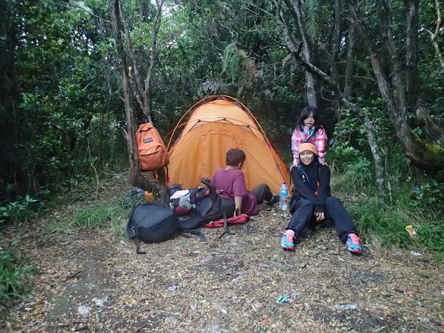 camping gunung gede