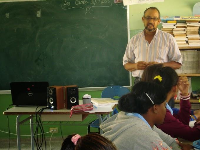Profesor Mario Reyes Matos, Integrando Las TICs, al Currículo