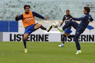 Marcelo Moreno chegou a ser apontado como dúvida para o clássico depois da  classificação do Grêmio na Copa Sul-Americana 35a3587783ffb