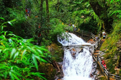 Path to Love Waterfall in Sapa
