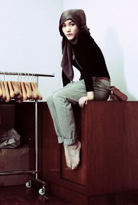 Wanita Hijab Cantik hana tajima lifewear hana tajima latest fashion hana tajima life baju kaos ketat