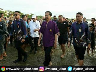 Kunjungan Jokowi ke Pantai Kuta Bali