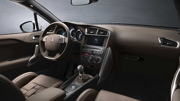 interior DS4 Berlina