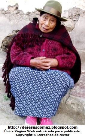 Foto de anciana en invierno de Jesus Gómez