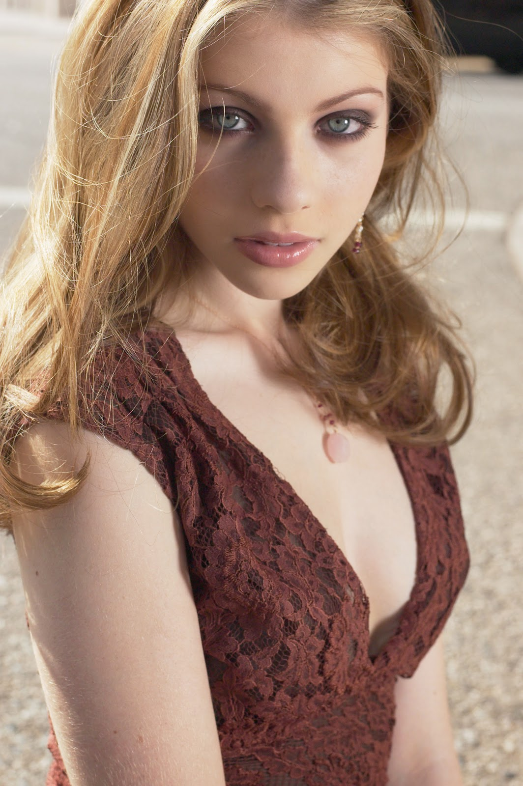 Michelle Trachtenberg Nude Photos 38
