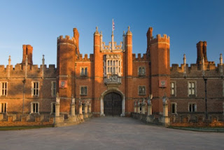 tempat wisata di Llondon ; Hamton Court Palace
