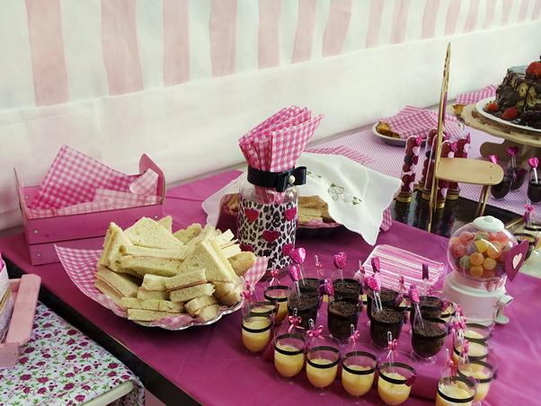 Meu Chá de Lingerie (Decoração) Rosa Customização Gastando Pouco Reciclando DIY Comidas