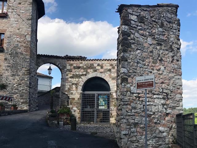 SERRAPETRONA-TORRE-DI-GUARDIA