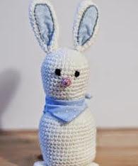 http://www.loopsan.com/crochet/brini-the-little-bunny-free-pattern/